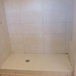 rejuntant parets dutxa