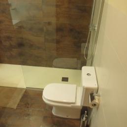el terra combinat amb el frontal paret dutxa