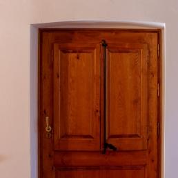 Porta de darrera la masia